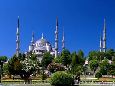 Courants d'Air, VOYAGE À ISTANBUL, UNE PORTE ENTRE DEUX CONTINENTS